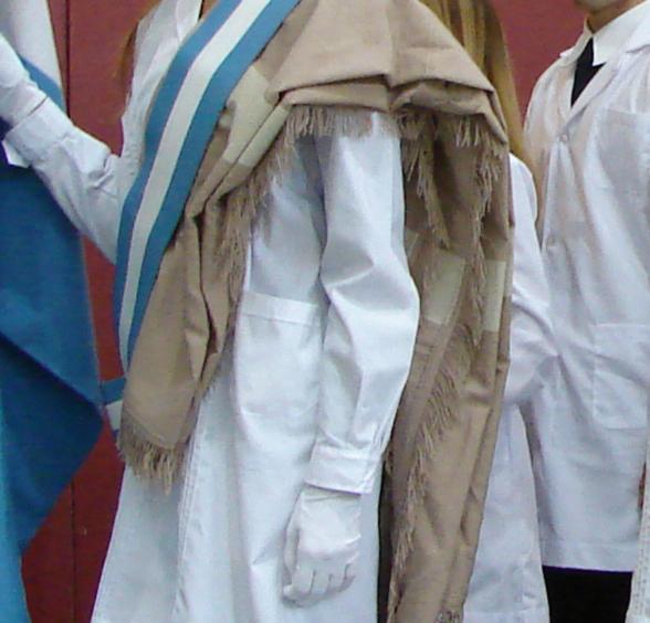 El poncho sanjuanino en la UNSJ