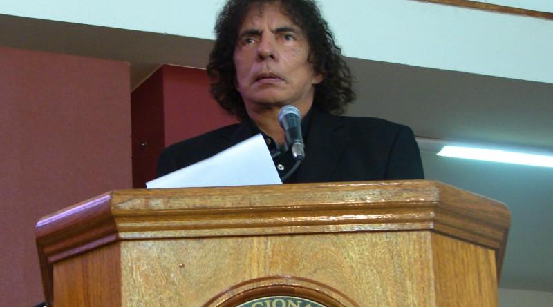 Alejandro Dolina en la UNSJ