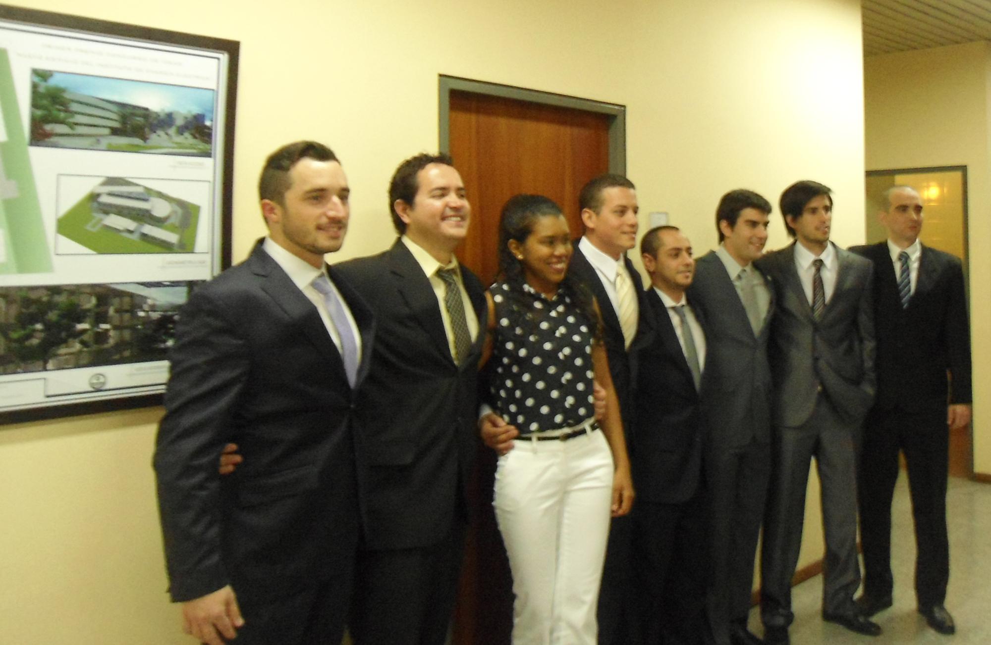 Grupo de egresados de EICAM - UNSJ