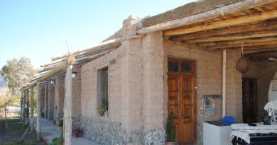 Casa de adobe reforzada en Zonda
