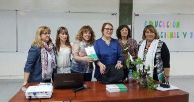 La Lic. Maurín junto al equipo de la Dirección de Psicología y Psicopedagogía de la UNSJ